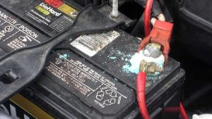 Car Battery Lifespan - Keep Your Battery Tightly Fastened